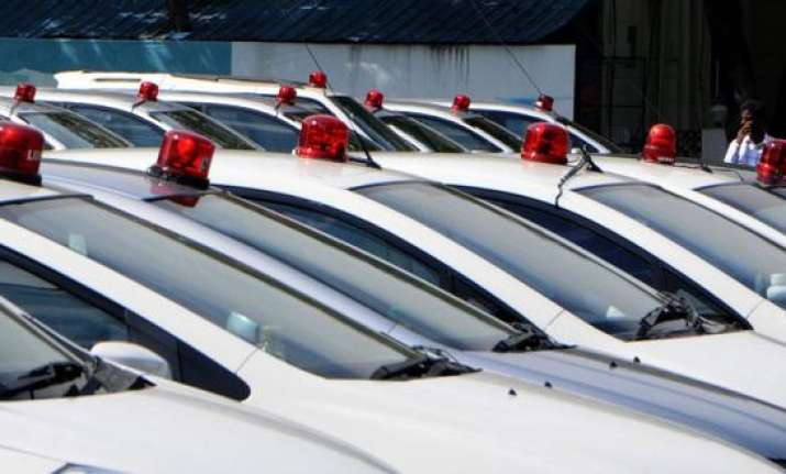 Govt bans red beacon use by VIPs, including President, PM,