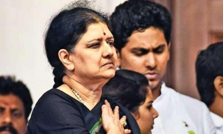 No merger until Sasikala, Dinakaran resign, says OPS camp