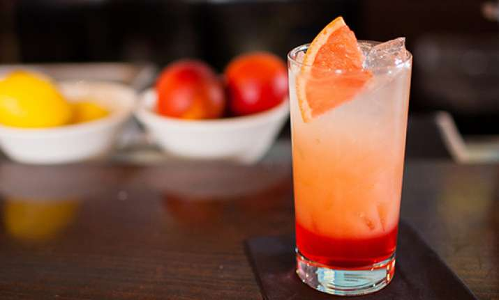 6 simple recipes to make refreshing mocktails for summer