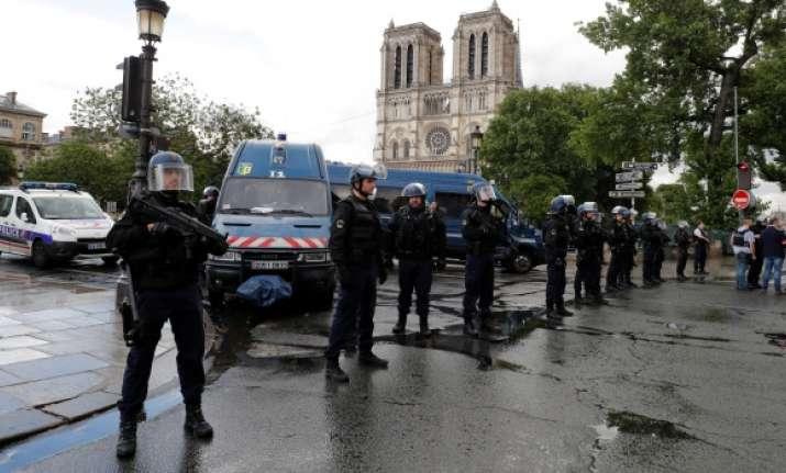 Paris Notre Dame attacker shouted 'this is for Syria'