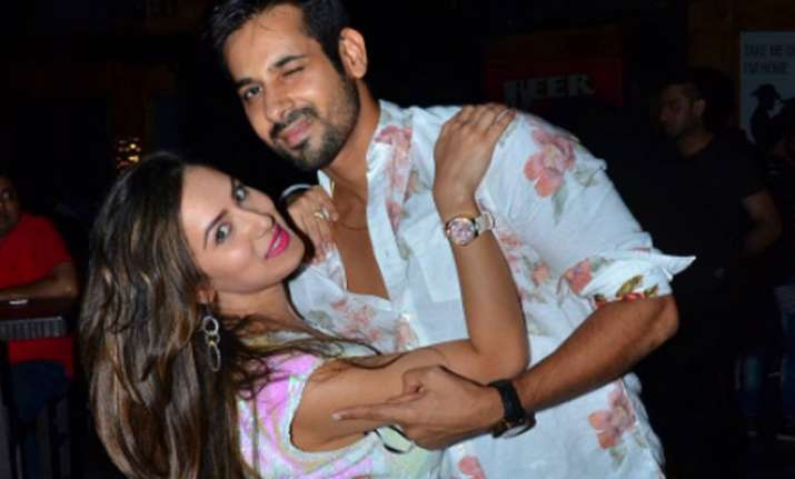 Puja Banerjee to get engaged to boyfriend Kunal Verma