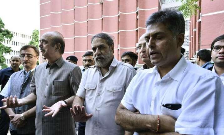 Congress to parade all Gujarat legislators before media