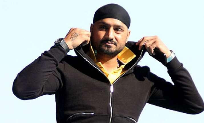 Harbhajan Singh to turn singer