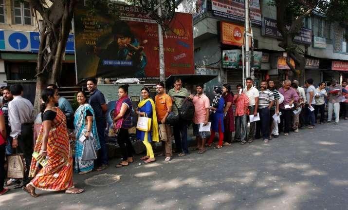 Over 90% Indian customers still prefer branch over online