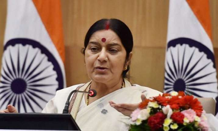 Sushma Swaraj slammed Sartaj Aziz for not acknowledging her