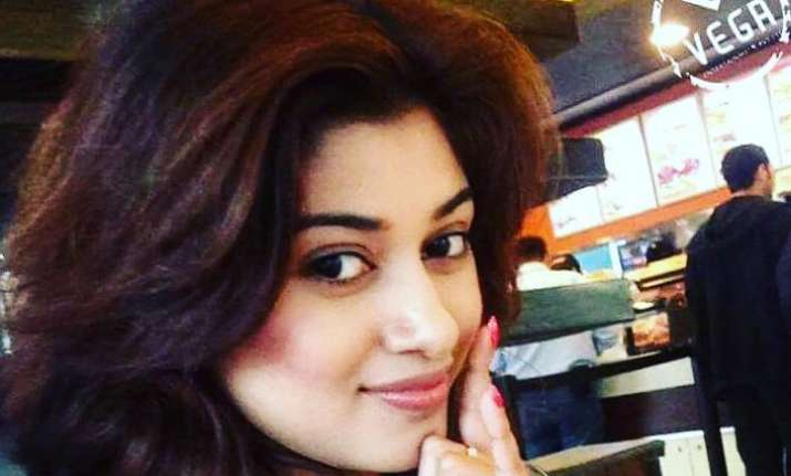 Oviya Heln to return to Bigg Boss Tamil house