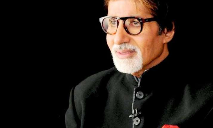 Amitabh Bachchan to play slum soccer founder Vijay Barse
