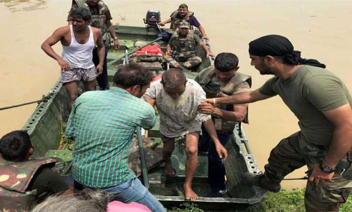 Death toll in Bihar floods crosses 300-mark, situation grim