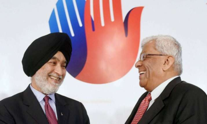 HDFC Chairman Deepak Parekh and Executive-Chairman, Max