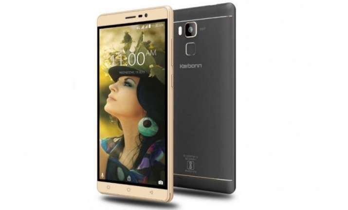 Karbonn today announced the launch of Aura Note Play at a