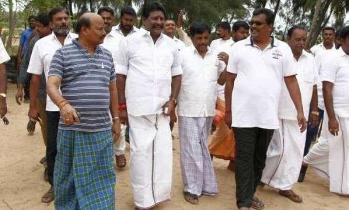 Rebel MLAs at Puducherry resort