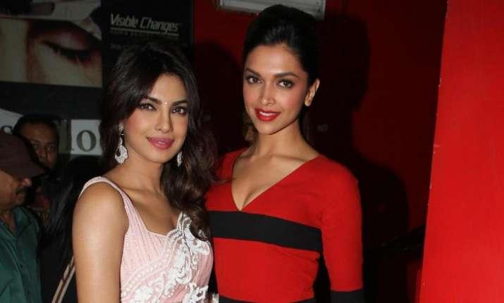 Teen Choice 2017 Award: Priyanka Chopra, Deepika Padukone