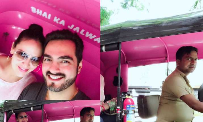 Pregnant Esha Deol rickshaw ride with husband Bharat
