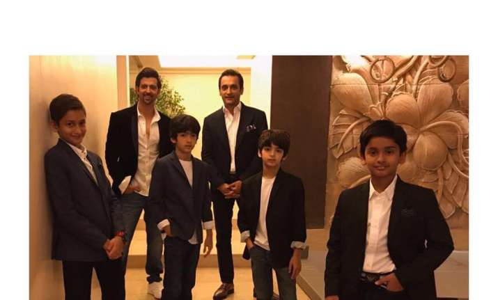 Hrithik Roshan with sons Hrehaan and Hridhaan