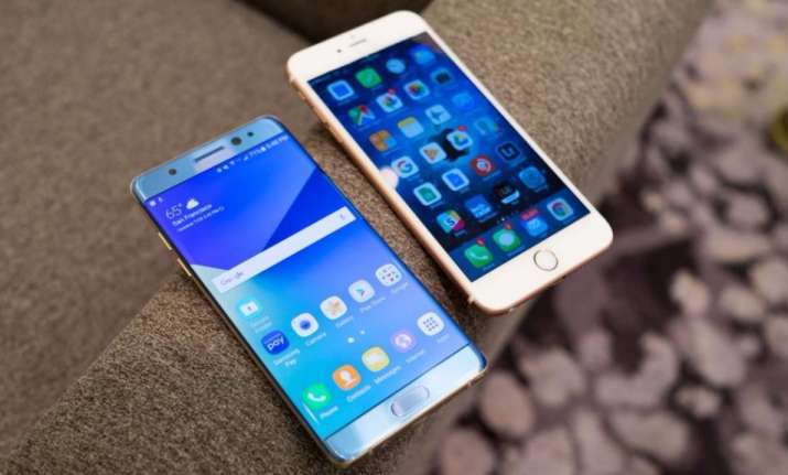 It will be Apple iPhone 8 vs Samsung Galaxy Note 8 on