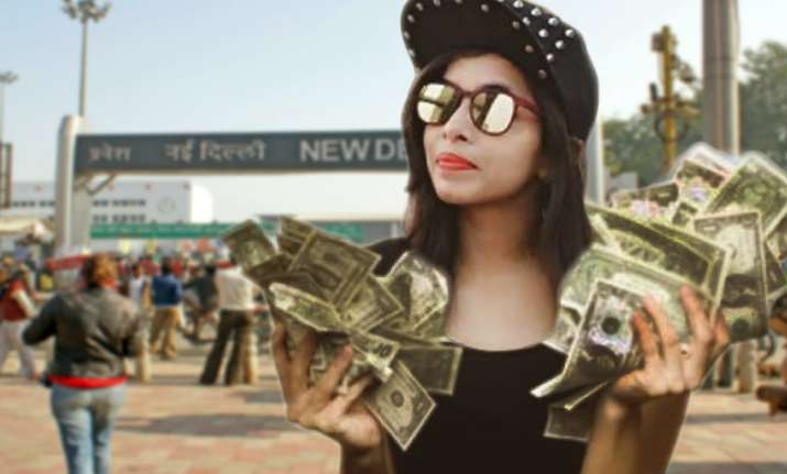 Dhinchak Pooja Baapu Dede Thoda Cash song