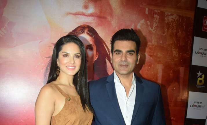 Sunny Leone and Arbaaz Khan stand up for National Anthem