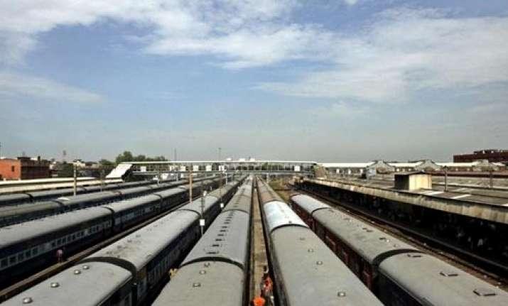 The Indian Railways is seeking 700,000 metric tons of rail