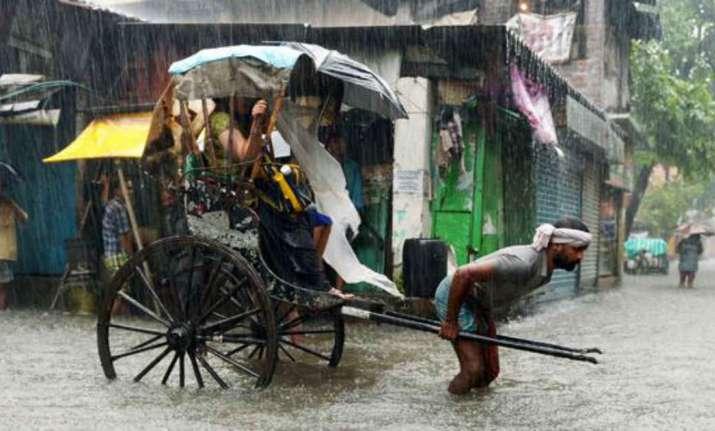 Heavy rainfall in Kolkata - File photo