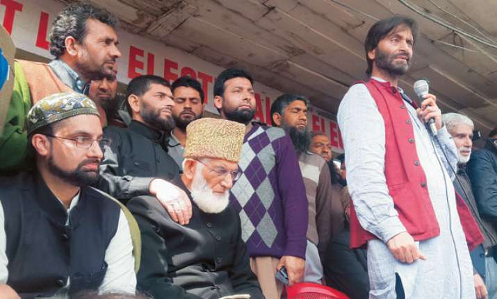 Kashmiri separatists refuse to talk to interlocutor, call