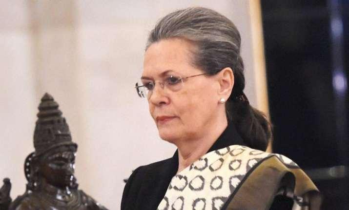 Sonia Gandhi stepped in to shield Tehelka, claims Jaya