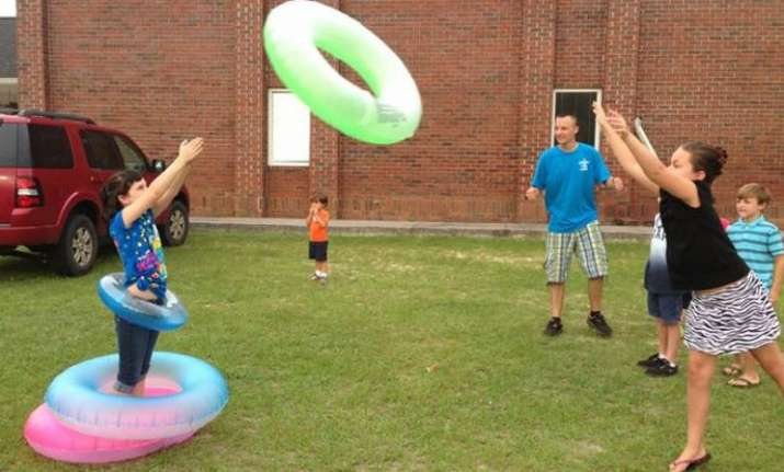 Playing outdoor games helps to boost kid's eyesight, says