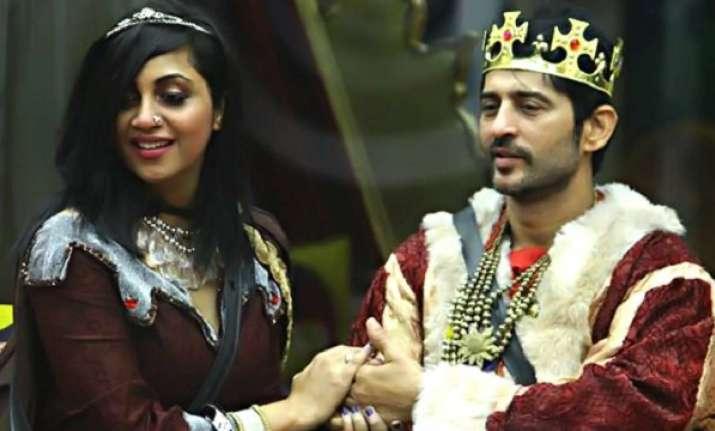 Bigg Boss 11: Arshi Khan takes revenge; nominates Hiten