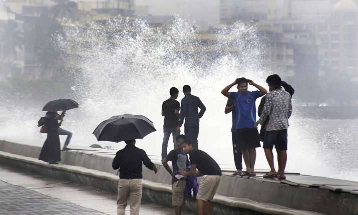Cyclone Ockhi: Mumbai heaves sigh of relief as storm leaves