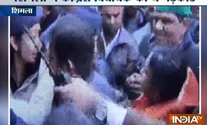 The woman constable slapped Congress MLA Asha Kumari back