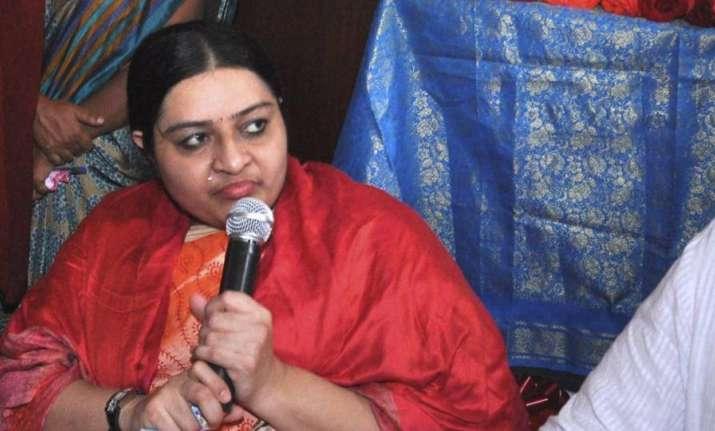 Deepa has expressed suspicion that some acquaintances could