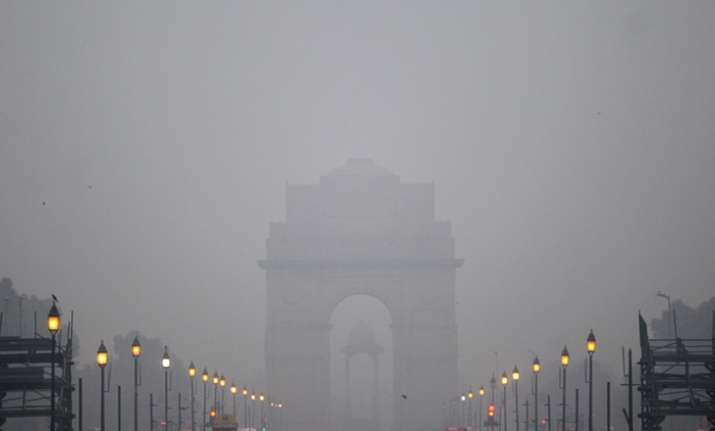 Delhi wakes up to foggy Sunday; 15 train cancelled, 12