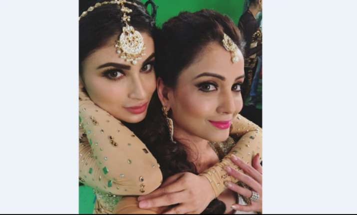 Mouni Roy Adaa Khan Naagin