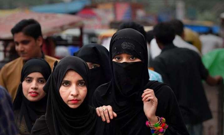 Darul Uloom Deoband asks Muslim women not to marry bank