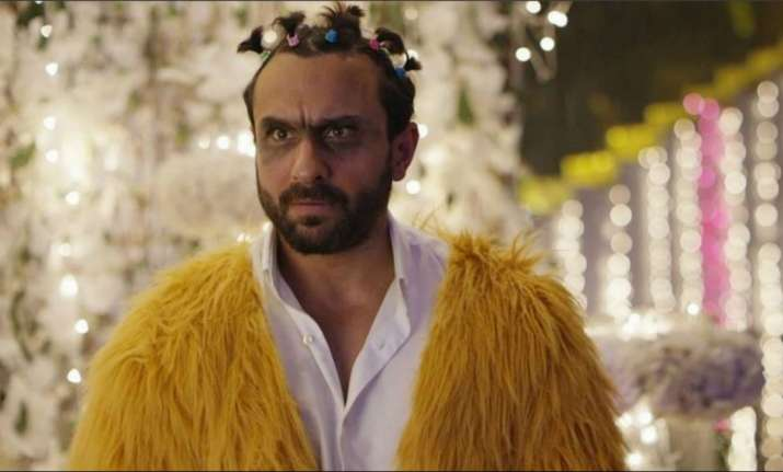 Kaalakaandi early review Saif Ali Khan