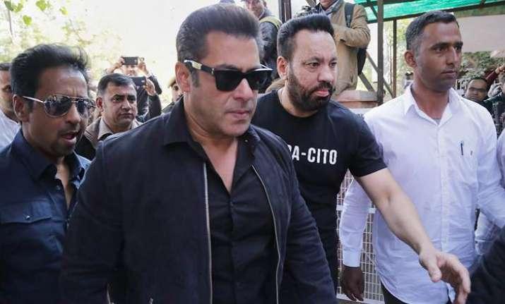 Salman Khan appears in Jodhpur court for hearing in