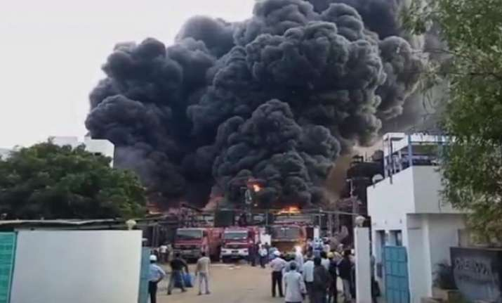 Gujarat: Massive fire breaks out in a chemical factory near
