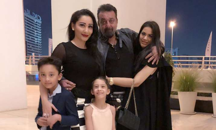 Sanjay Dutt celebrates 10th marriage anniversary with wife