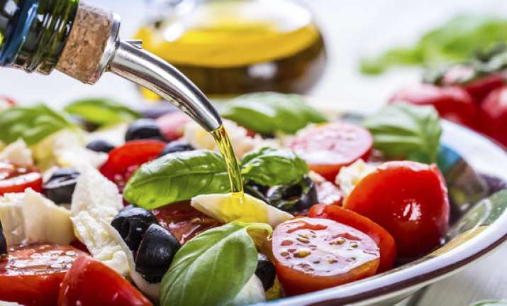 Keep heart diseases at bay with vegetarian, Mediterranean