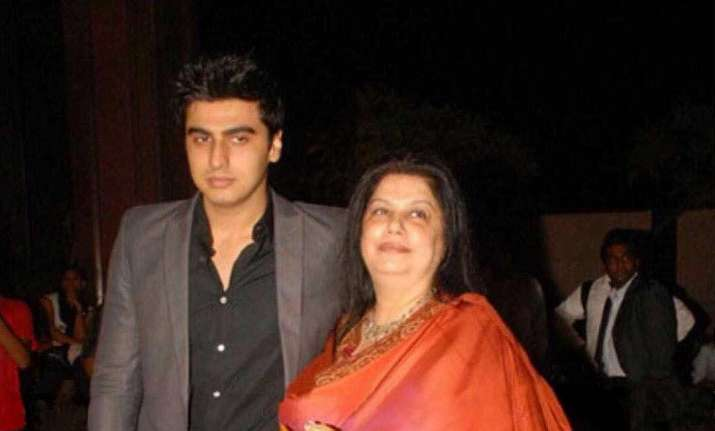 Arjun Kapoor shares an emotional post on mother's death