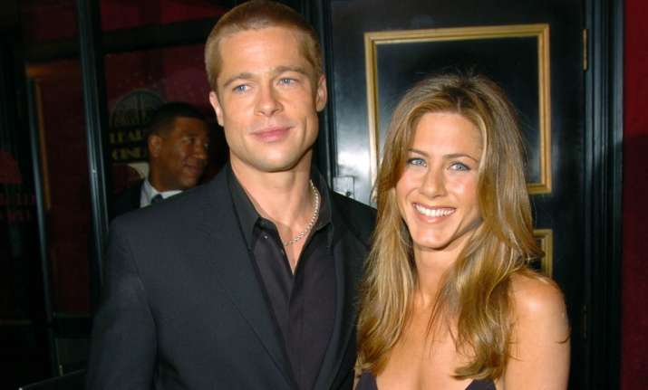 Brad Pitt, Jennifer Aniston to give their relationship a