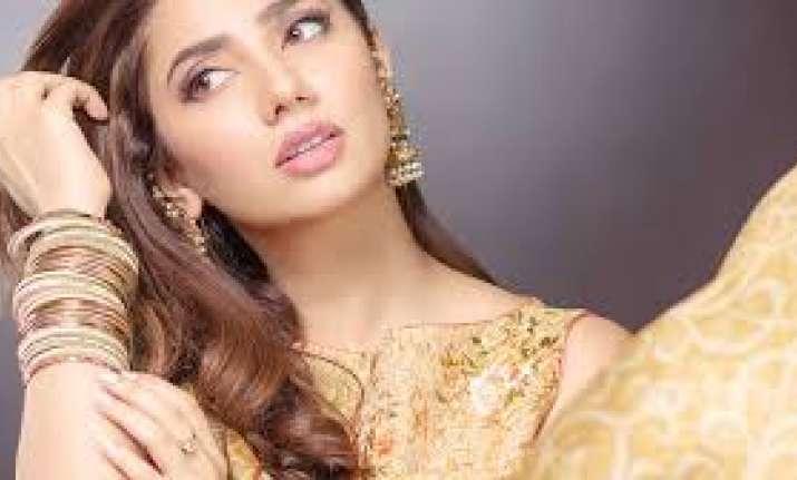 RaeesactressMahiraKhan says Hindi film industry was
