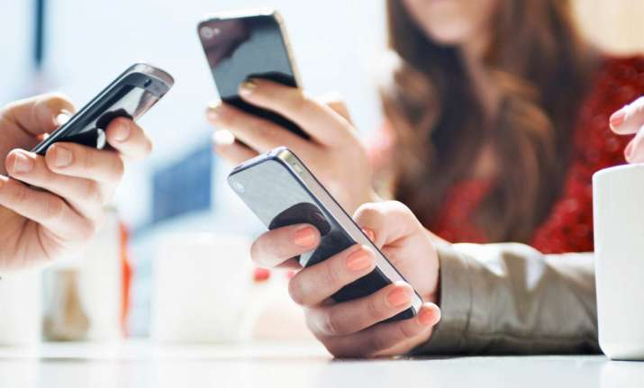 Smartphones are damaging the environment: Study