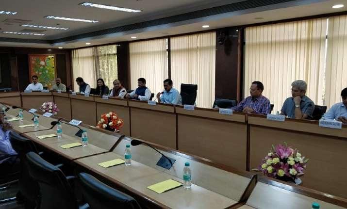 All-party meet on Delhi sealing
