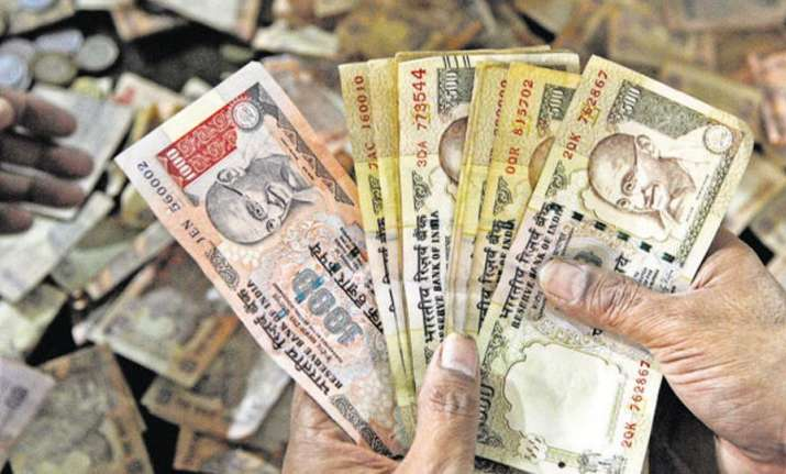 Banned Rs 500, Rs 1000 notes are being shredded,