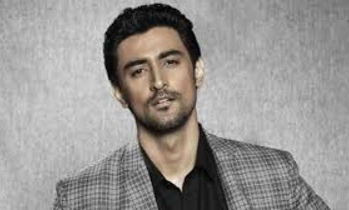 Kunal Kapoor all set to feature in bullying drama Nobleman
