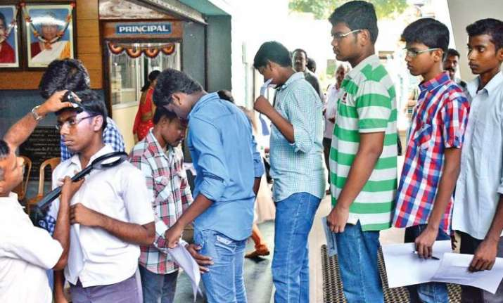 CBSE NEET 2018: How to avoid torn sleeves, ripped pockets