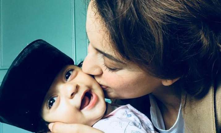 Kangana Ranaut enjoys 'early morning kisses & cuddles'