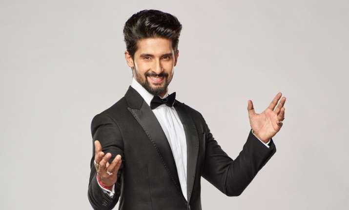 AmitabhBachchaninspired me to take up hosting: TV actor