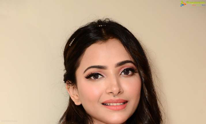 Actress Shweta Basu Prasad turns tantrum-throwing diva for