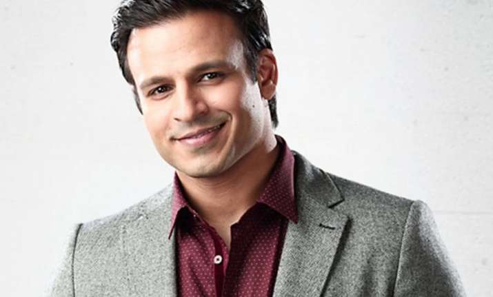 Vivek Oberoi receives huge honour at Indo-UK awards,